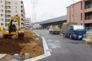 新幹線の高架橋に近い場所では一戸建て9戸を分譲する