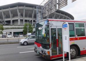 「綱72」系統は新横浜駅から日産スタジアム前や新羽駅を経由して綱島駅までの7.8kmを結ぶ路線