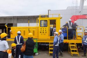工事用の車両に体験乗車できる貴重なイベントは大人気でした