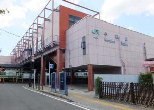 小机駅の北口周辺は日産スタジアムでのイベント開催時以外は人通りが少ない