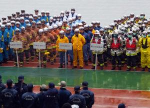 横浜消防や神奈川県警のほか、川崎や相模原の各消防、地元の港北消防団や日差スタジアムの職員も訓練に参加していた