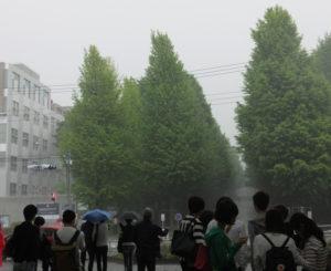 局地的な豪雨が先月(2017年5月)18日にも日吉の街を襲った(慶應義塾大学日吉キャンパス前にて)