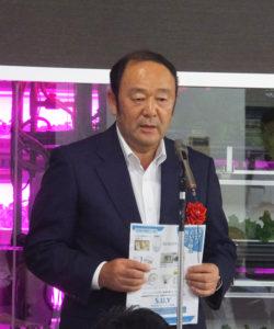 奈良建設株式会社の植本正太郎代表取締役社長が、自社や子会社の株式会社セットアップ横浜が取り組む災害時快適トイレなどの事業についても紹介