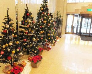 今年は11月13日から館内外をクリスマス・アレンジ。クリスマス・イブまであと1ヵ月となり、クリスマス・ムードも高まりそう