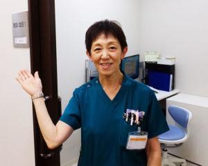 看護スタッフのまとめ役・健診部の上野弘子課長。金丸さんとともに2年間この場所で勤務してきた。趣味はパッチワーク。横浜アリーナで星野源のコンサートを家族で楽しんだりもしたという