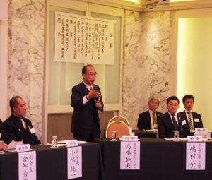 """幹事に就任した高木幹夫さんは、防犯やテロ対策の上で参加者、また地域の人々が""""顔見知り""""になり、これからの会合にも出席していくことの大切さを訴えた"""