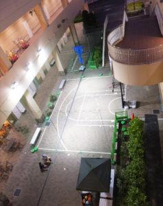 常勤スタッフから「ボールも借りられる」常設のバスケットボールレンタルスペース(リンクはブログ)や、ドックラン周辺のテラスデッキも新たに整備された。「目的なくお越しいただいても過ごせる場所に」と同館