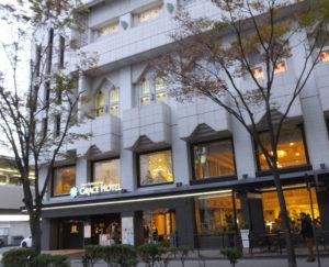 今年の冬も街路樹イルミネーションを、新横浜町内会が取り組む道路の美化活動「ハマロードサポーター」事業の一環として行う予定