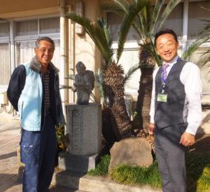 「城郷クリーン作戦」の土台を作った第34代PTA会長の横溝一則さん(左)、バトンを引き継ぐ第40代(現)会長の古川典明さん。街に「恩返し」をしながら、街に生きる意味を子どもたちに伝えていく