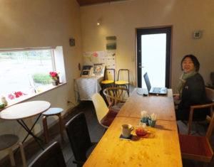 シニアにとっても居心地の良いカフェ空間を目指している
