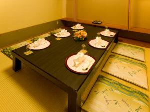 個室は計3室、6人まで(座敷またはテーブル席)、10人まで(テーブル席)に対応している(同ホテル提供)