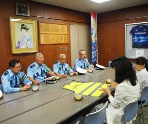 「子育てしやすい街にしたい」との想いを語る栗田るみ港北区長(右から2人目)