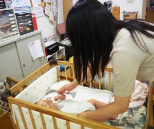 赤ちゃんとふれあう「疑似母子体験」も(9月24日)