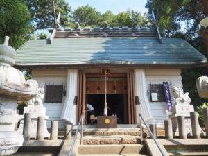 拝殿も老朽化していたため、修復工事が行われた