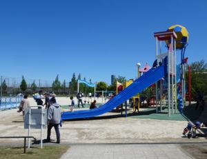 4月25日(土)から5月6日(水・祝)までのゴールデンウイーク期間中、遊具広場の一部が利用休止となる新横浜公園