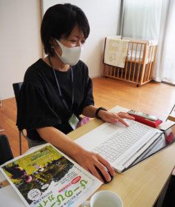 マップ制作を担当した堀之内さん。「刷り上がったガイドを手に取り、喜びの涙を流したい」と、その制作の苦労を語る