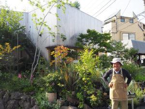 メイン講師の三輪善昭さんは、区内大曽根1丁目の「植物とくらしの店 PLANTED」(リンクは同店サイト)代表。ガーデナーとして地域内外で活躍している