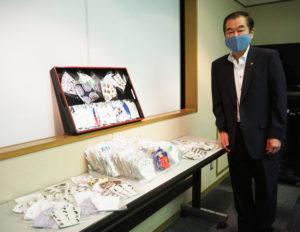 港北区選出の佐藤市議がマスクの寄贈の「橋渡し」を行った