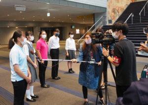 城郷中の高橋さん、篠原中の相澤さん、大綱中の山本さんら各校の部長がメディア5社の取材にも対応、それぞれの「晴れの舞台」を振り返った