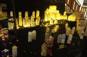 記念すべき第1回「城郷地区 キャンドルナイト2020~地域を繋(つな)ぐ~」の展示(城郷小机地域ケアプラザ)