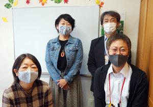 第5回「シニアの地域活動支援」つなぎ塾トークを展開した鈴木さん、岩田さん、本間さん、井上さん(写真左から)(港北つなぎ塾のページより)