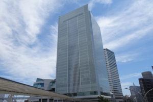 横浜市全体での感染者数は再び増加に転じてしまった(中区にある横浜市役所)