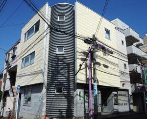 東急線・地下鉄グリーンライン日吉駅に近接した約3500世帯もの大規模自治会として知られる日吉本町東町会会館(日吉本町1)のIT化をパソコン救急センターが手掛けたインパクトは大きい