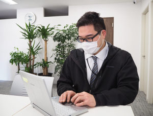 窓口となり、パソコンやWi-Fi導入の実務を担ったパソコン救急センターの逸見さん