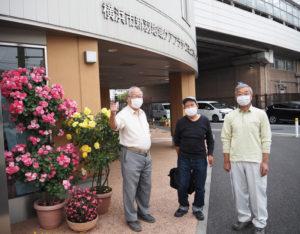 新羽地区の新たな未来をリードする3人。新連合町内会長の尾出さん、副会長の磯部さんと浅倉さん(写真右より、5月12日、新羽地域ケアプラザ)