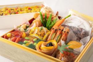 新横浜グレイスホテルのシェフが「腕によりをかけた」フレンチボックス(Box)として新発売。6月・7月のプランは「夏を感じられる」食材の料理を用意したとのこと(同ホテル提供)