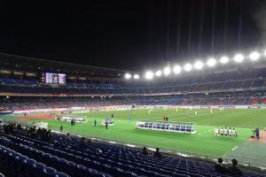 日産スタジアム(横浜国際総合競技場)で開催の8日間(11試合)はすべて観客数を1万人まで削減する「再抽選」の対象となった(イメージ)