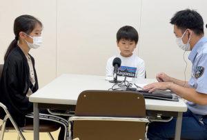 10代が最多という熱中症の予防を大綱小学校の4年生2人がアナウンス録音し呼び掛ける(6月29日)